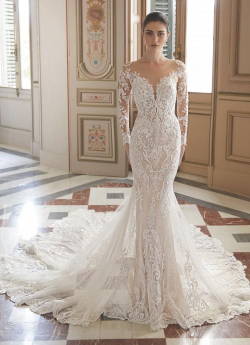 Hochzeitskleid mit Illusion-Ausschnitt und Schleppe von Elysée Atelier