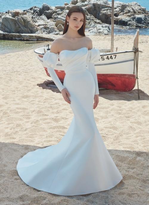 Schulterfreies Hochzeitskleid mit abnehmbaren Puffärmeln von Love, Modell Alyson