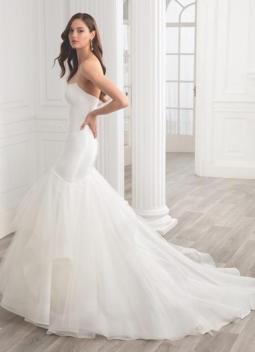 Trägerloses Fit and Flare-Hochzeitskleid im Clean Chic mit Volantrock und Schleppe von Etoile, Modell Gigi