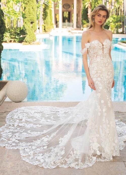 Hochzeitskleid mit 3D-Spitze und Offshoulder-Trägern von Enzoani, Modell Roza