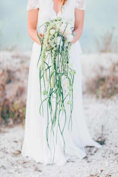 Wasserfall Blumenstrauß mit Gartenfuchsschwanz