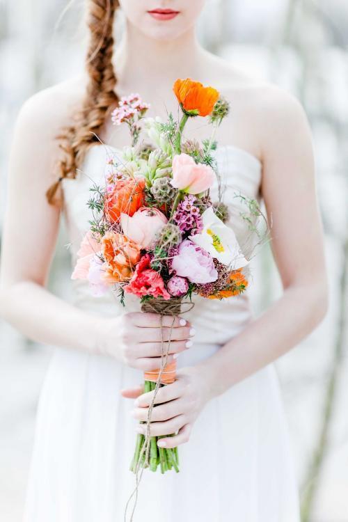 Stabstrauß mit Frühlingsblumen
