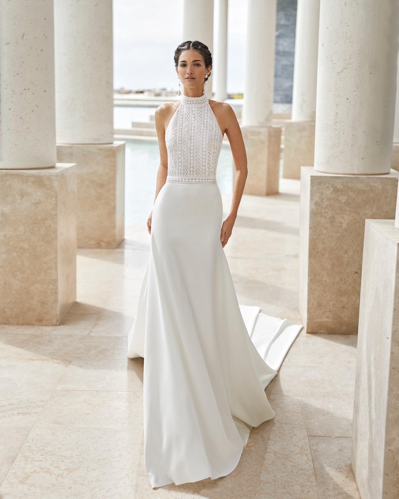 Brautkleid mit Neckholder-Ausschnitt von Rosa Clara Couture