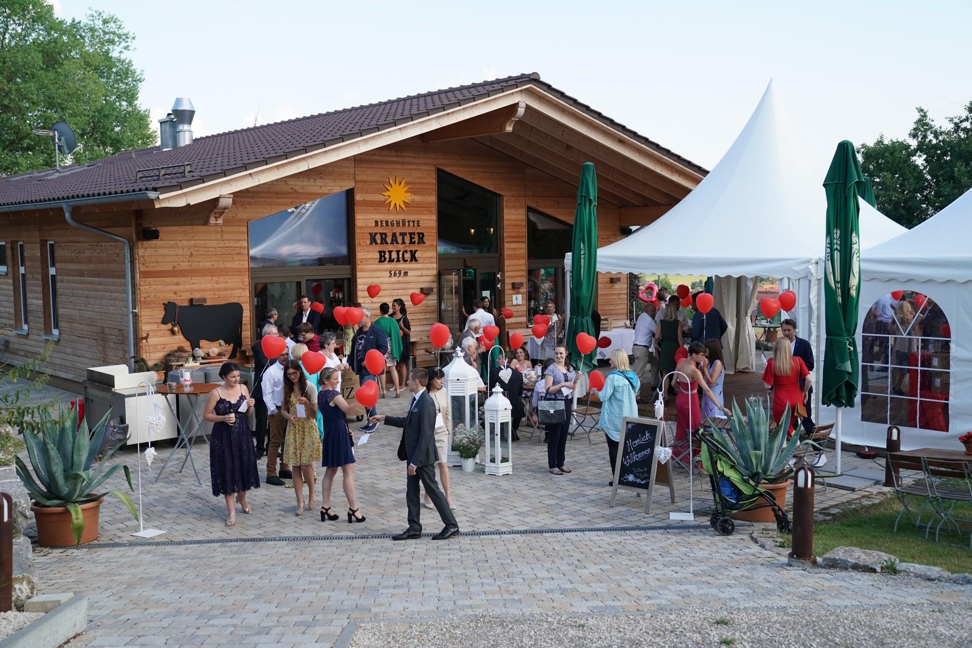 Hochzeitslocation Berghütte Kraterblick