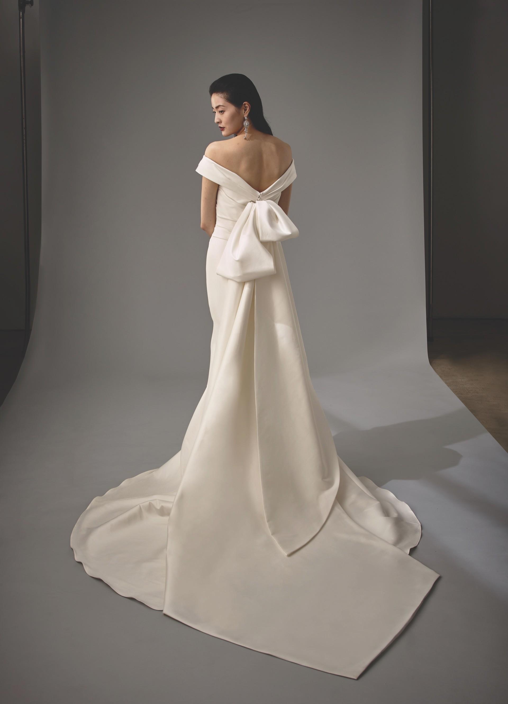 Brautkleid Modell Marla aus der Blue by Enzoani Kollektion 2020