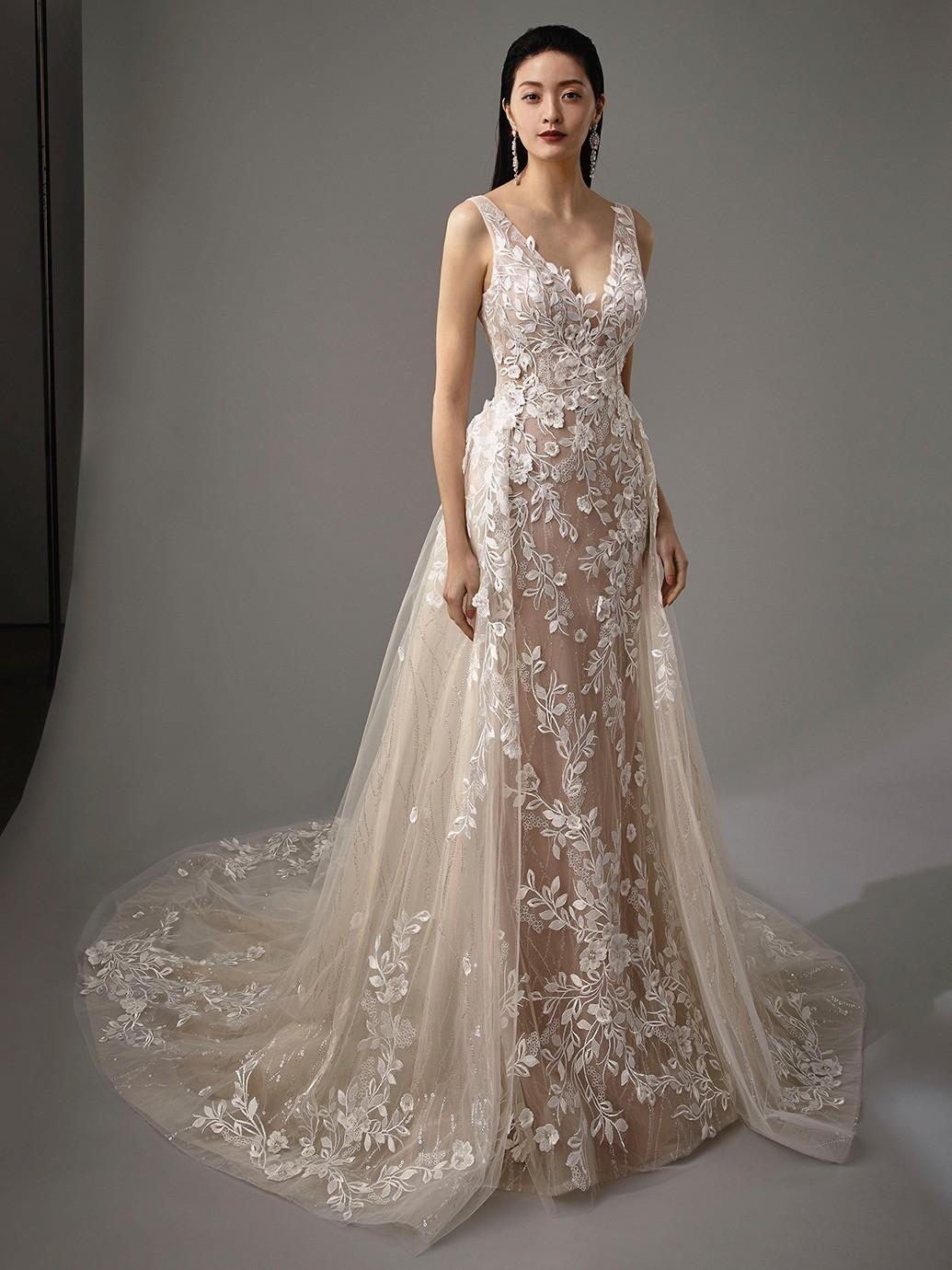 Brautkleid Modell Mai aus der Blue by Enzoani Kollektion 2020