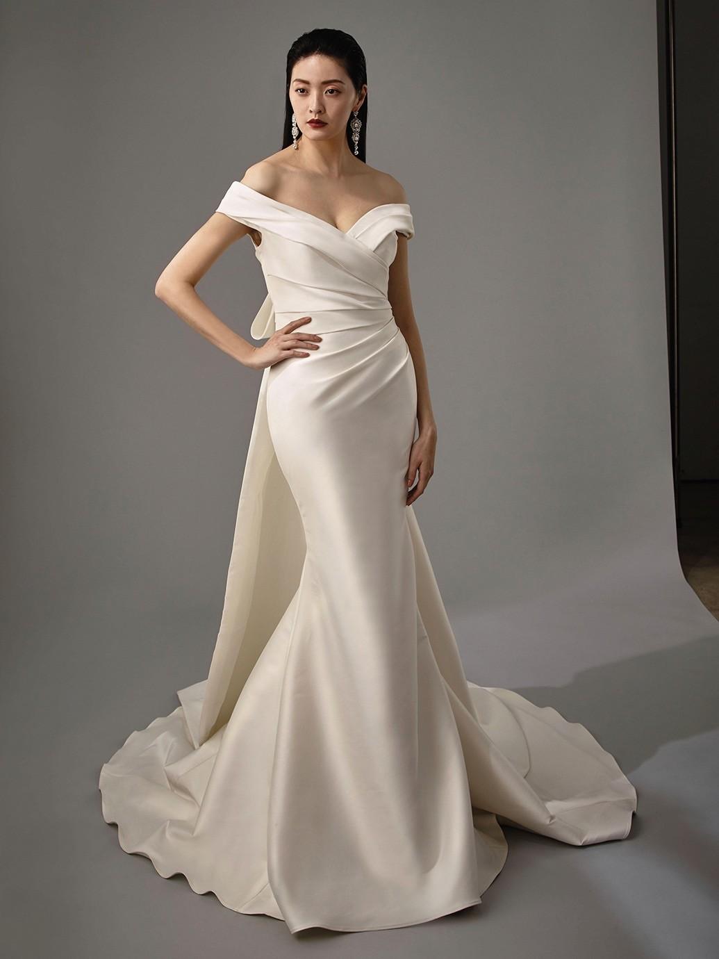Brautkleid Modell Maria aus der Blue by Enzoani Kollektion 2020