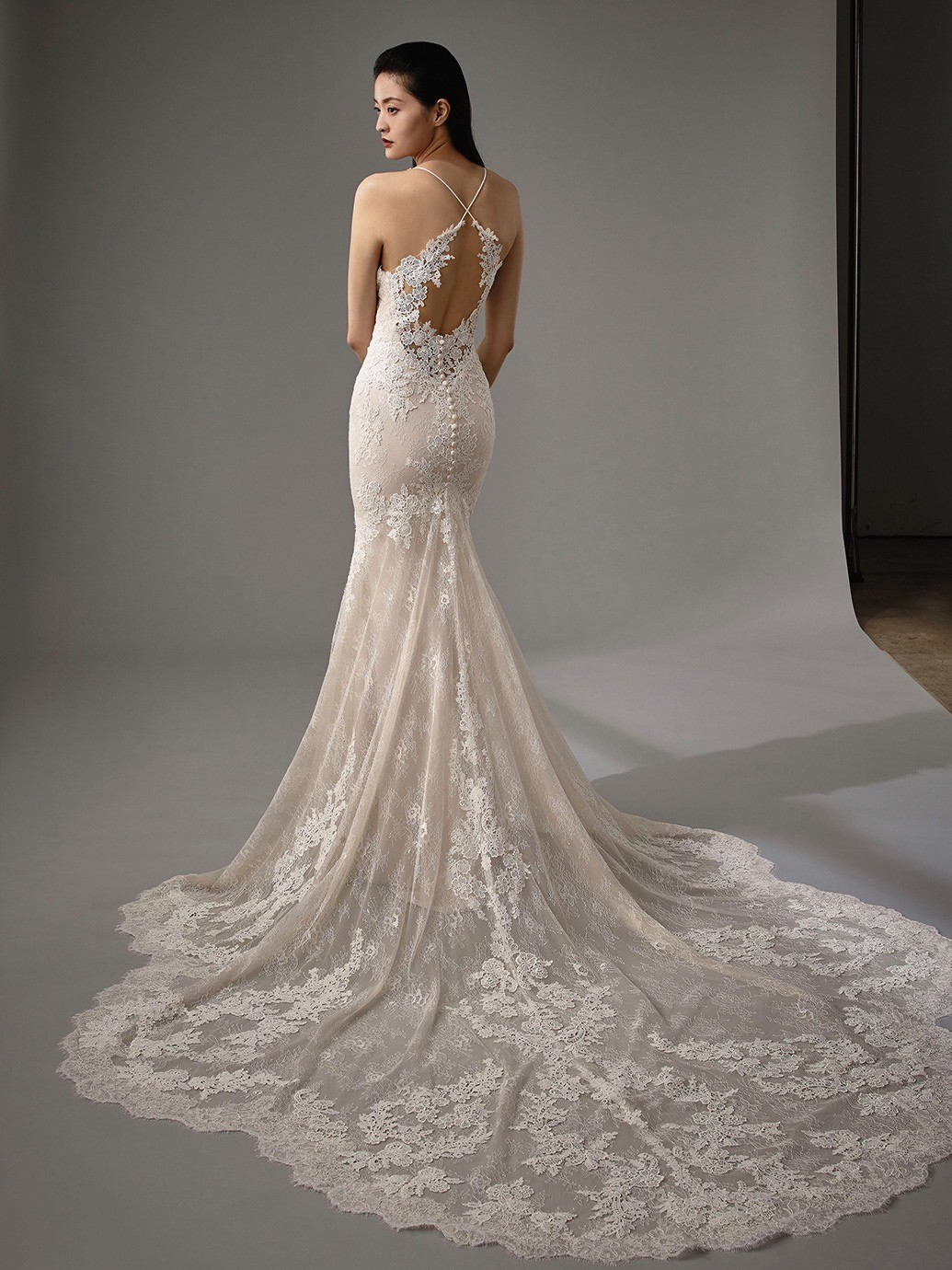 Brautkleid Modell Miller aus der Blue by Enzoani Kollektion 2020