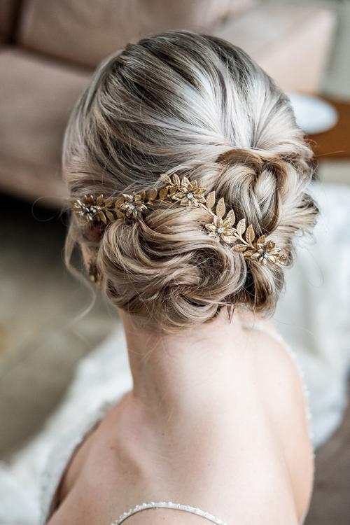 Brautfrisur glamourös-edel