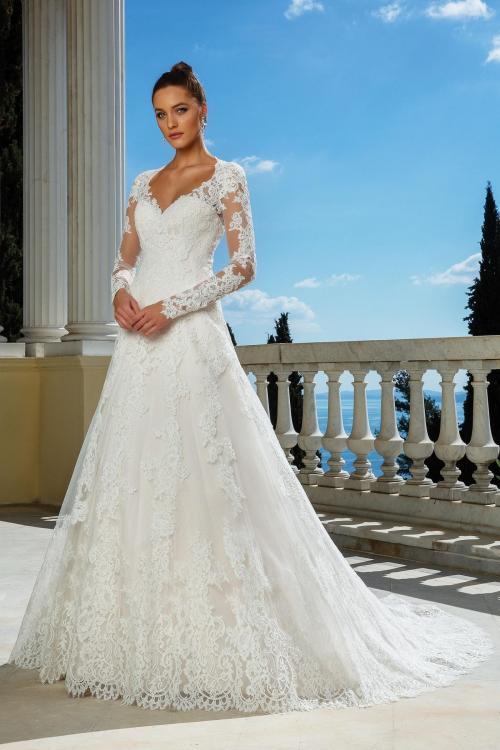 Brautkleid in A-Linie mit Spitze, Illusion-Ausschnitt, langem Arm, Schleppe und Knopfleist von Justin Alexander, Modell 88116