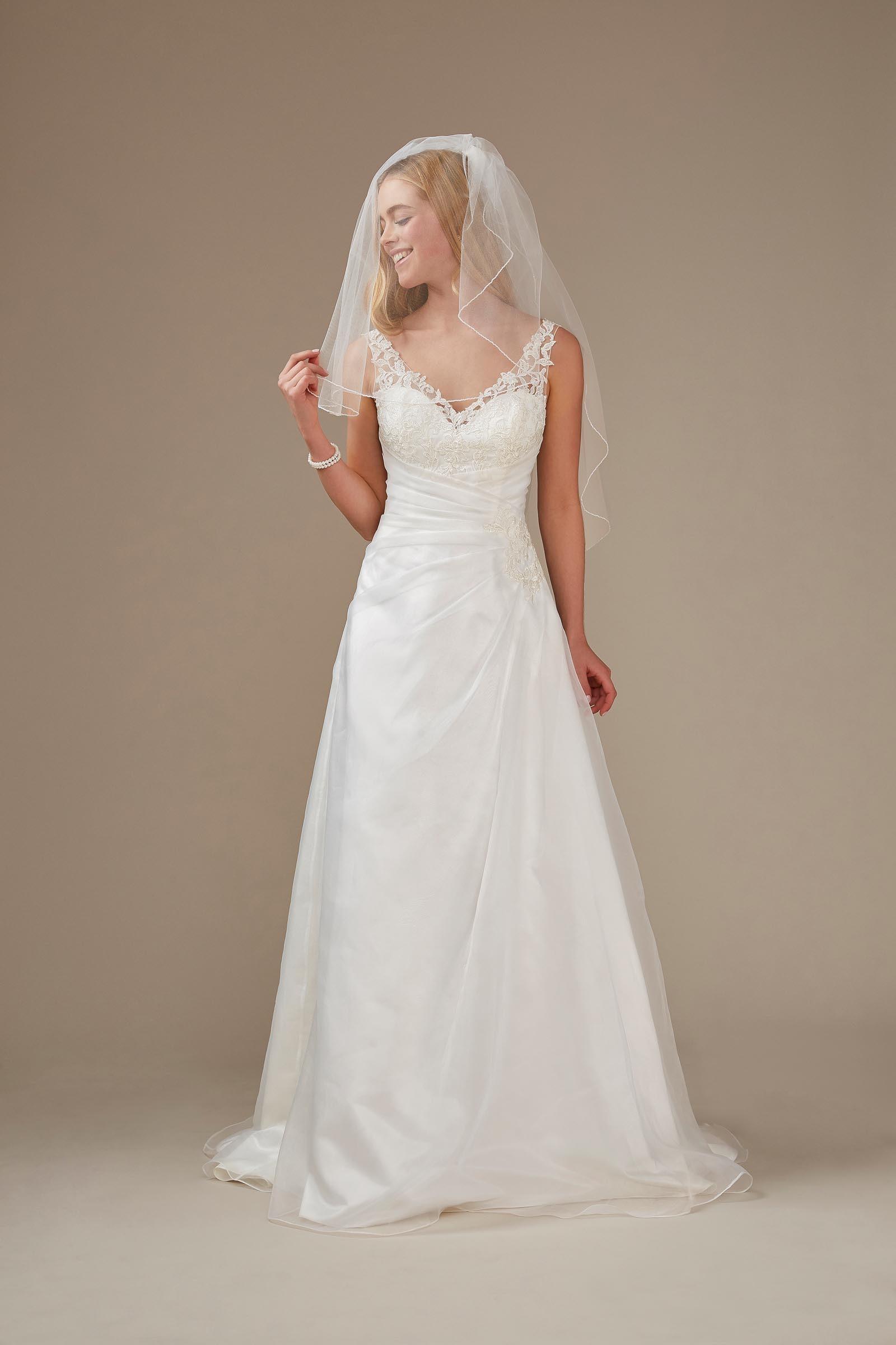 Brautkleid mit V-Ausschnitt und Drapierung in A-Linie von Weise, Modell 336912
