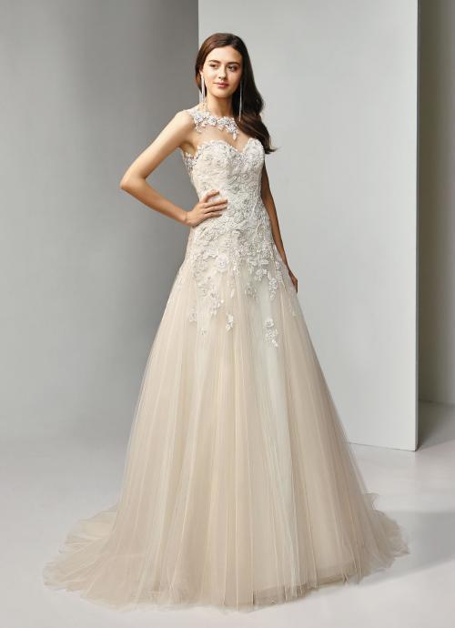 Brautkleid in Blush, in A-Linie mit Spitze in Blütenform und Tattoo-Effekt von Beautiful Bridal, Modell BT19-23