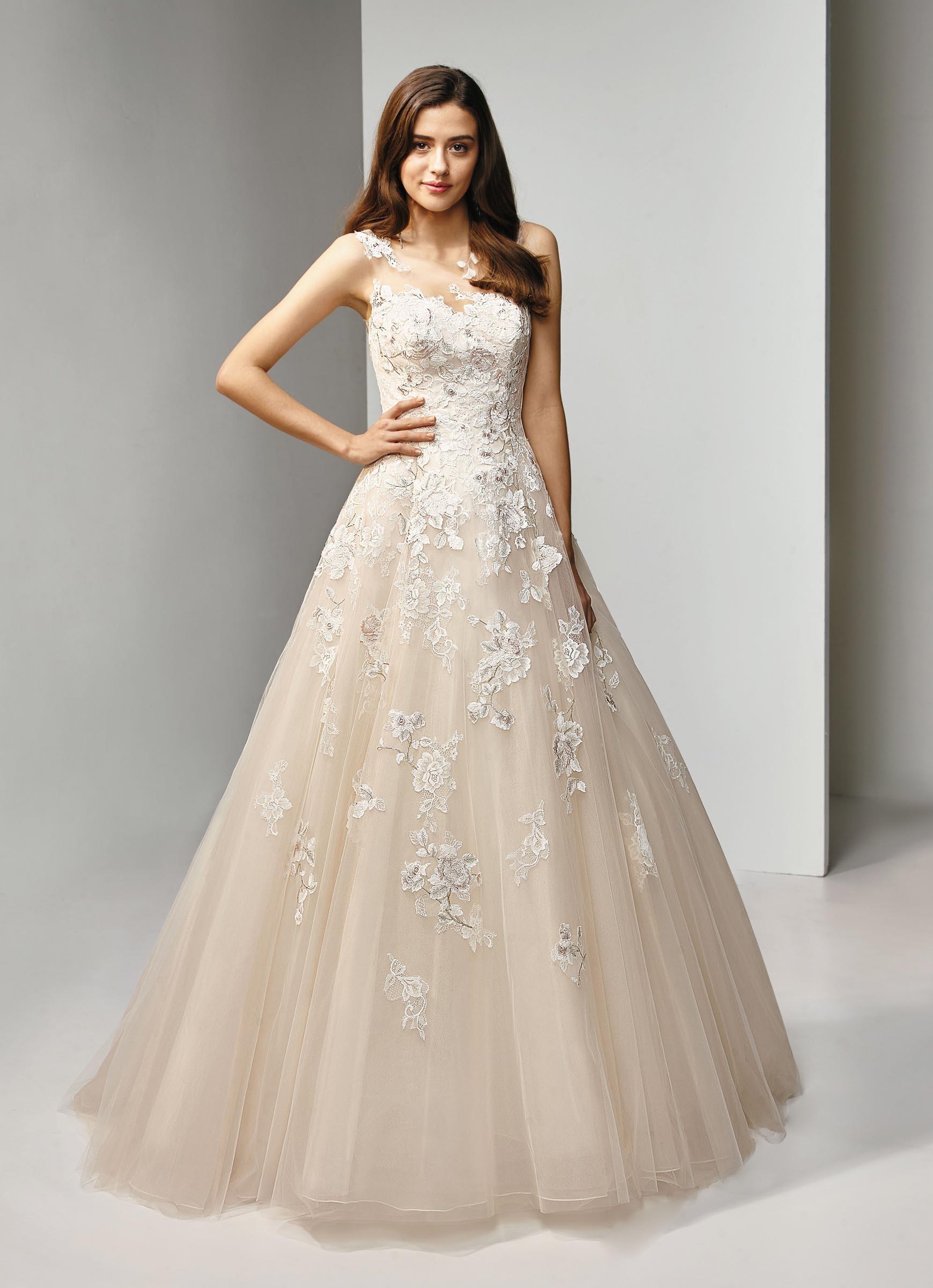 Brautkleid mit Spitze, Tattoo-Effekt, im Prinzessschnitt und in