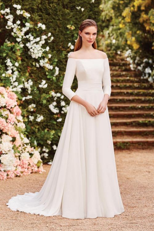 Schulterfreies Brautkleid mit Dreiviertelärmeln, Carmen-Ausschnitt und Schleppe von Sincerity, Modell 44157