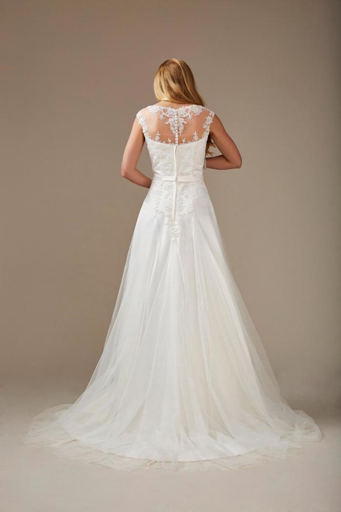 cremefarbenes Brautkleid mit Spitze, Strass und Gürtel in A-Linie von Weise, Modell 336192