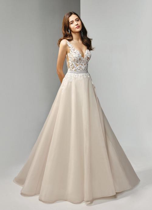 Cremefarbenes Brautkleid mit Prinzessschnitt und Tattoo-Effekt in Spitze von Beautiful Bridal, Modell BT19-11