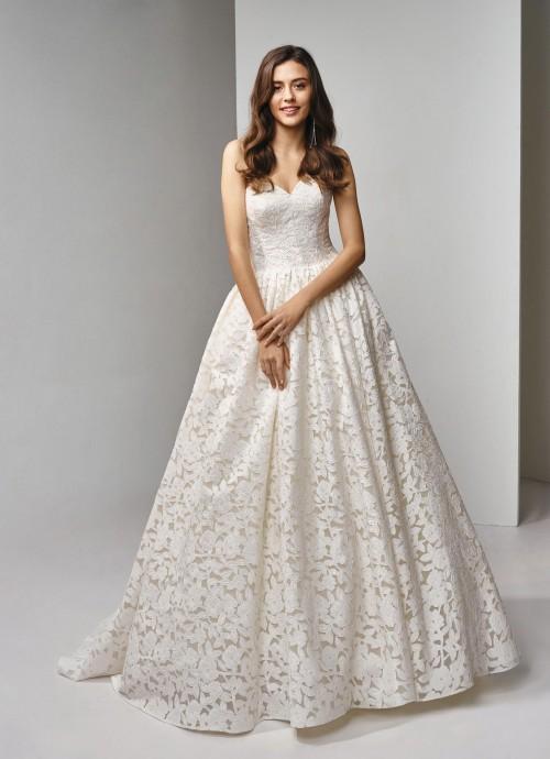 Cremefarbenes, trägerloses Brautkleid aus Spitze mit Prinzessschnitt und Herzausschnitt von Beautiful Bridal, Modell BT19-5