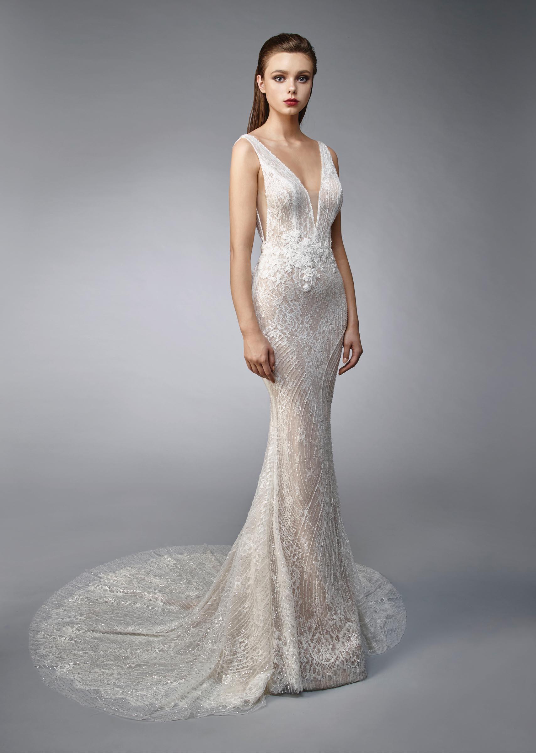 elegantes Brautkleid mit V-Ausschnitt