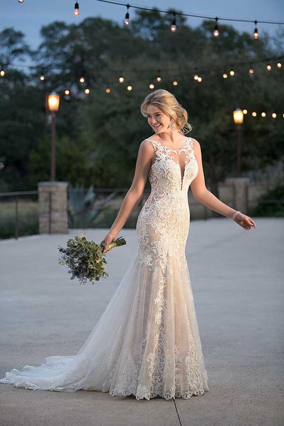 Sexy Brautkleid mit V-Ausschnitt