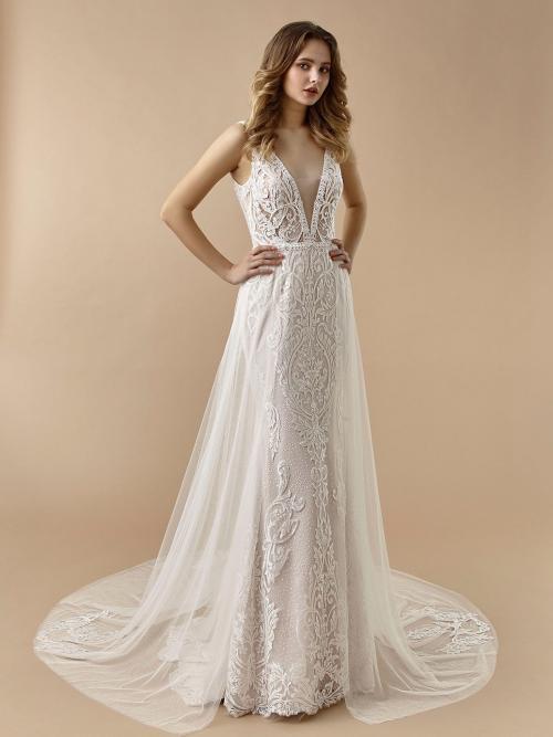 Fit-and-Flare-Brautkleid in Rosa mit 3D-Spitze, Layering-Effekt und Plunge-Ausschnitt von Beautiful Bridal, Modell BT 20-02