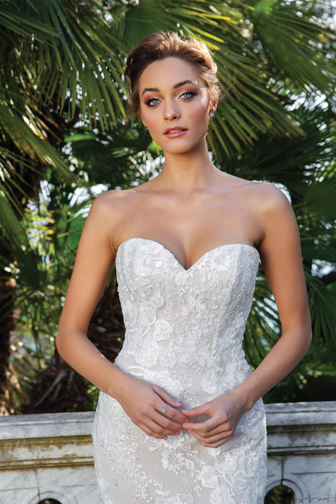 Schulterfreies Fit-and-Flare-Brautkleid mit 3D-Spitze und Sweetheart-Ausschnitt, mit Offshoulder-Trägern oder trägerlos, von Justin Alexander, Modell 88123