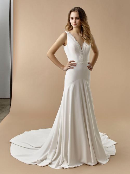 Fit-and-Flare-Brautkleid mit Plunge-Ausschnitt, Spitzendekorationen, teifem Rücken und Schleppe von Beautiful Bridal, Modell BT 20-28
