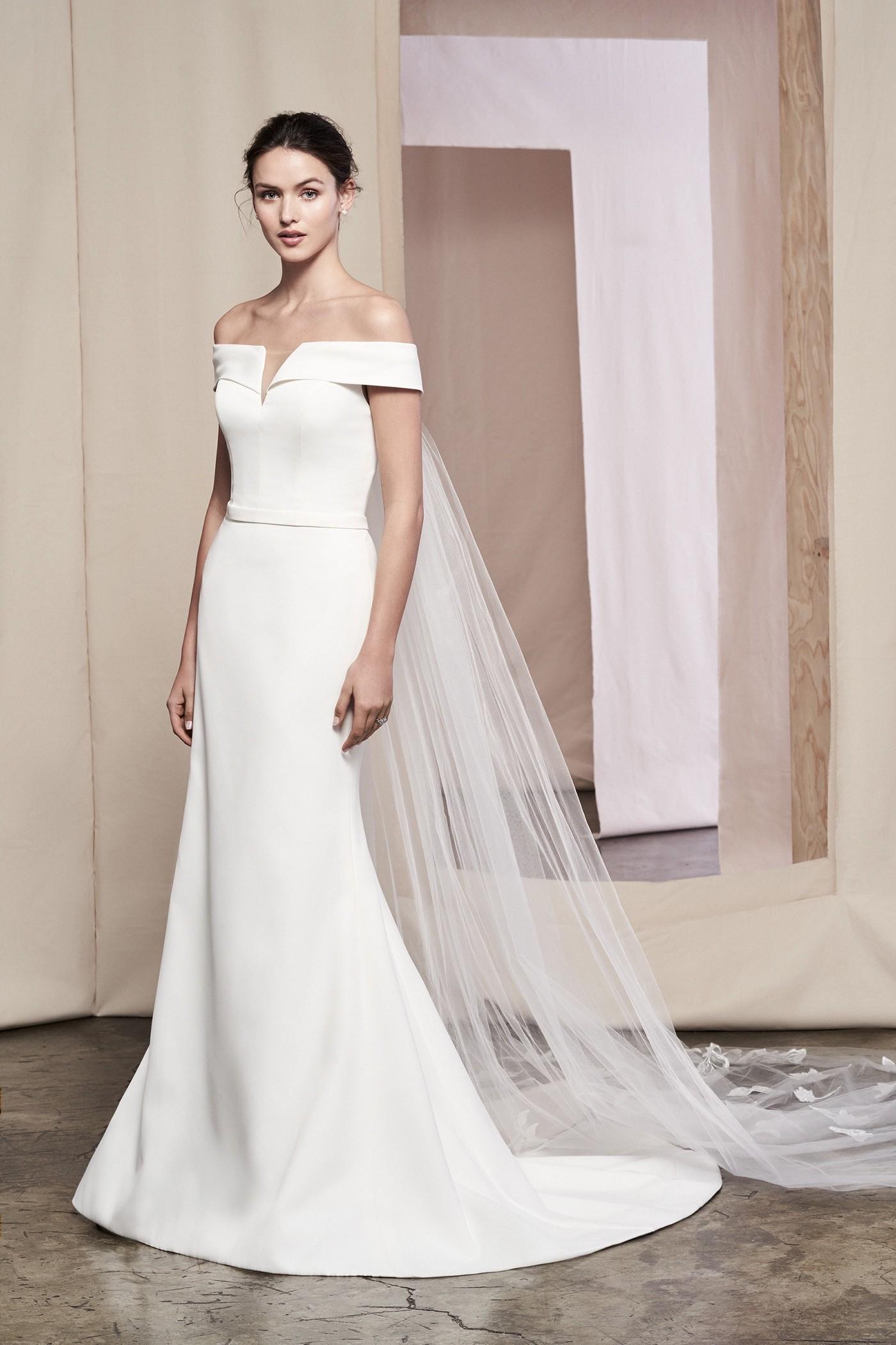 Fit-and-Flare-Brautkleid mit Carmen-Ausschnitt und abnehmbarer