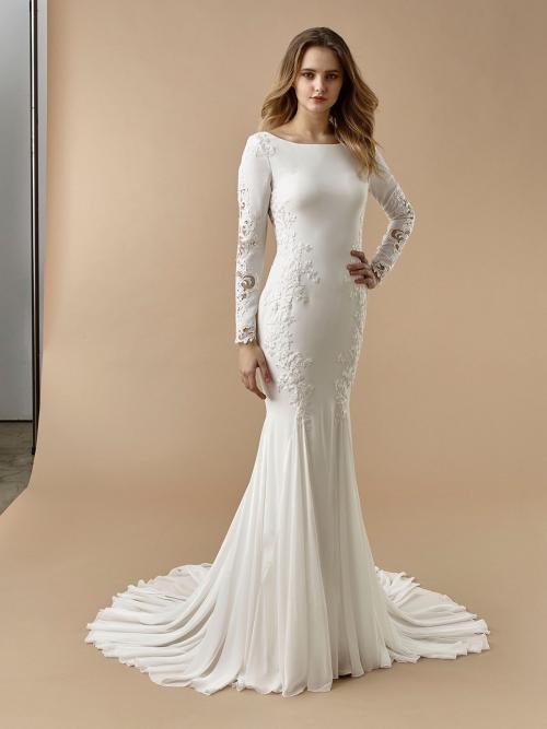 Brautkleid im Fit-and-Flare-Schnitt mit U-Boot-Ausschnitt, langem Arm, Stickereien, Spitze und Cut-outs von Beautiful Bridal, Modell BT 20-11
