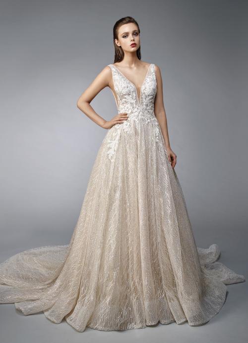 Goldenes Brautkleid im Prinzesschnitt mit cremefarbener Spitze und tiefem V-Ausschnitt von Enzoani, Modell Nellie, Frontansicht