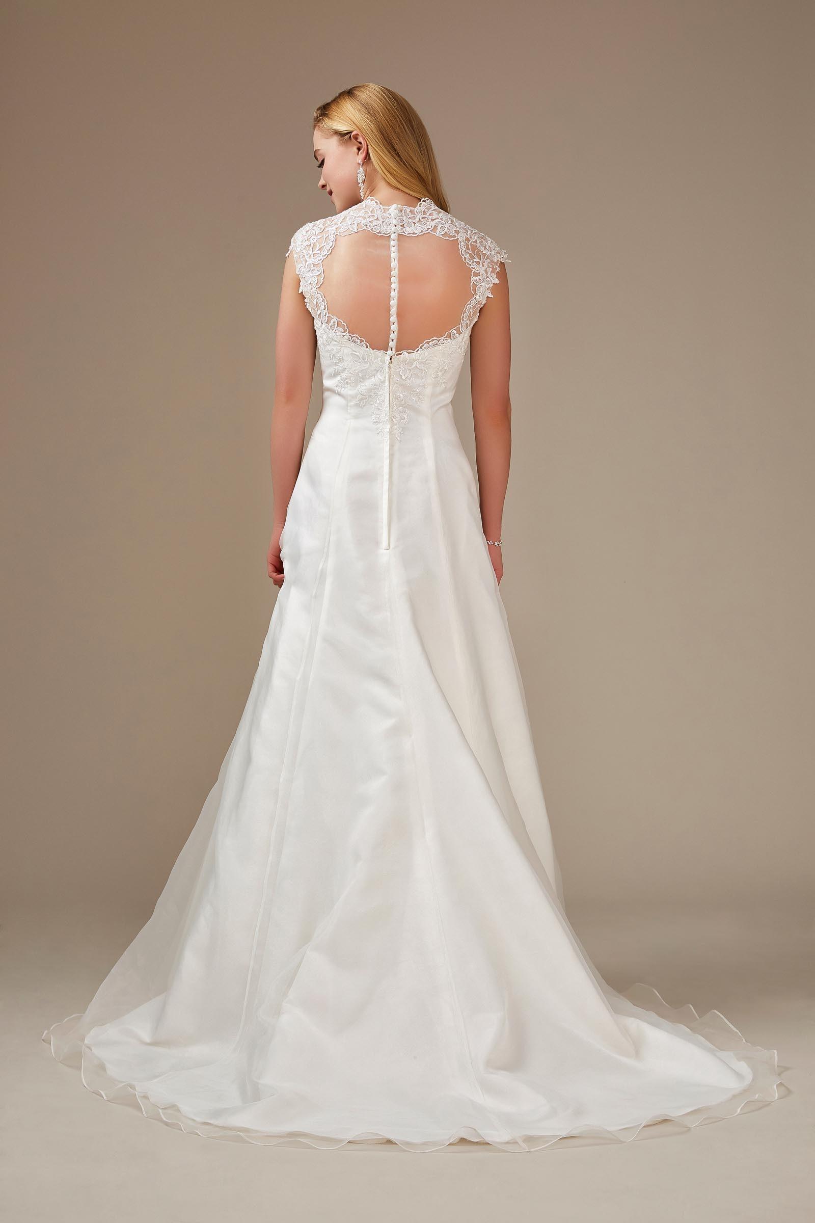 Brautkleid mit Herzausschnitt und Spitzenträger von Weise, Modell 336212