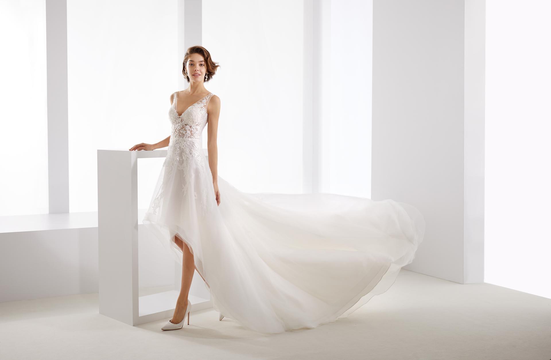 Prinzessinnen Brautkleid mit langer Schleppe