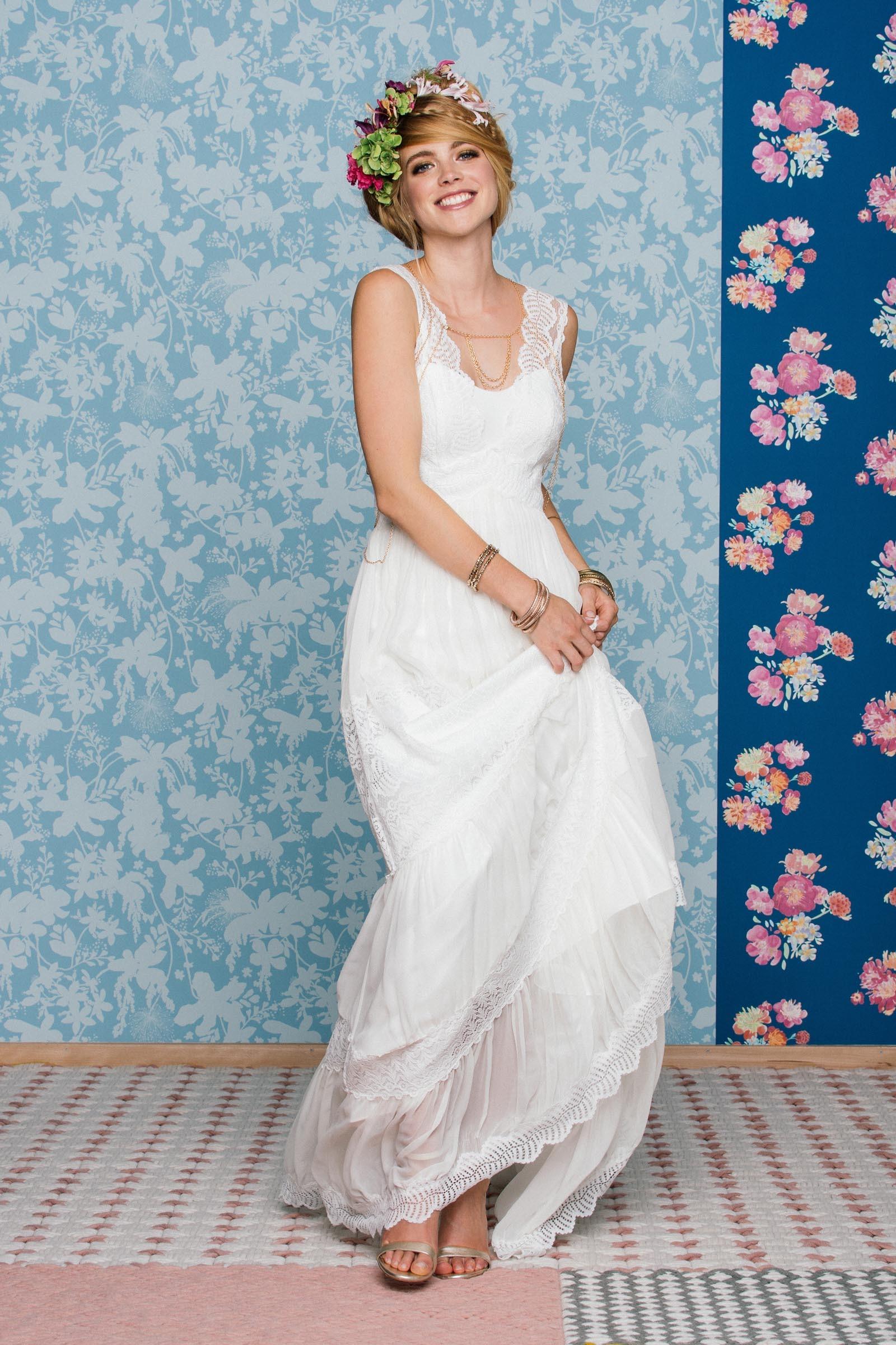 freches Brautkleid mit Spitze
