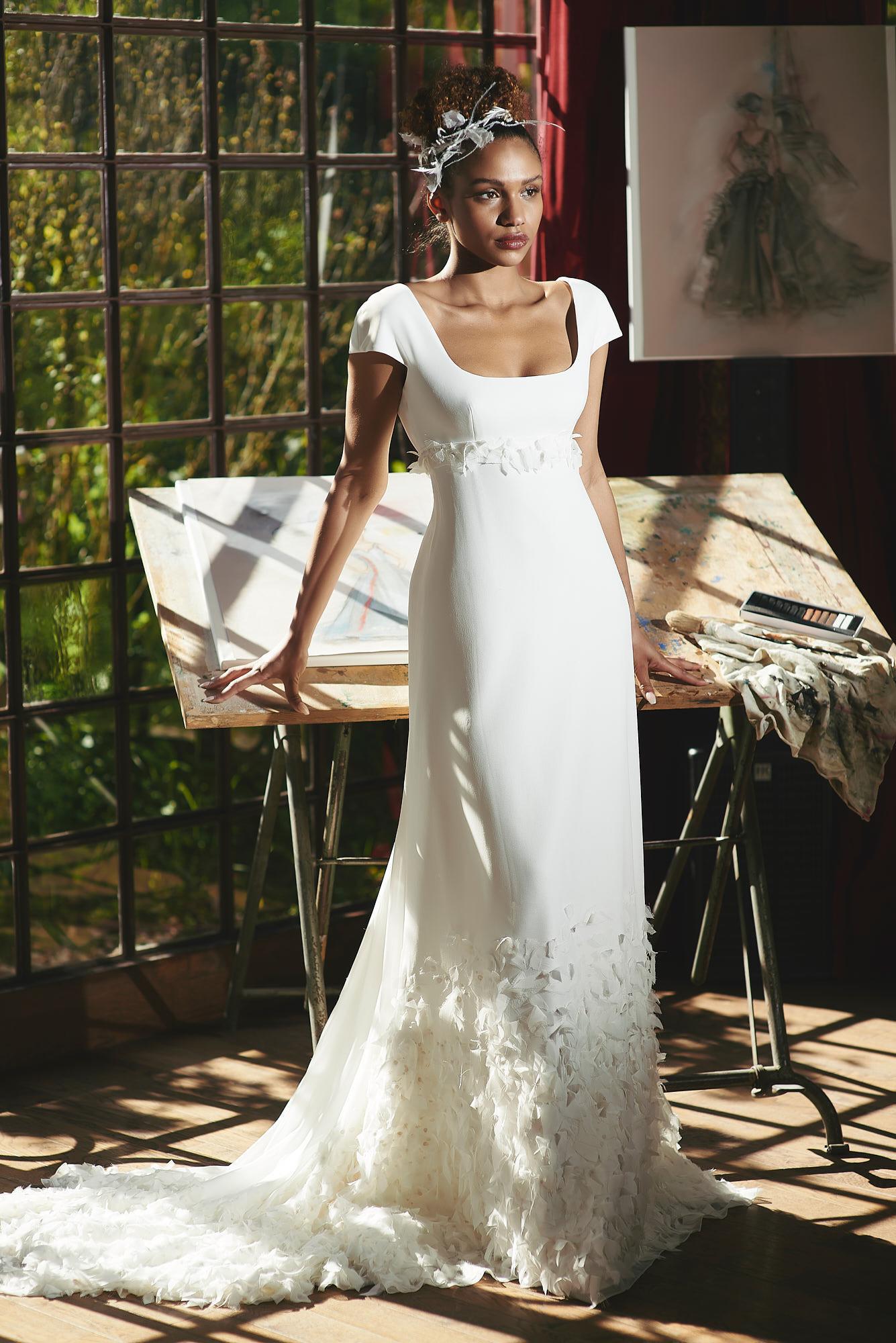 Brautkleid mit Carreé-Ausschnitt von Cymbeline