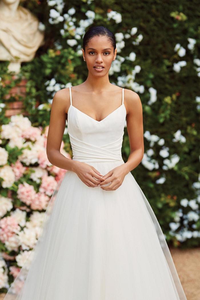 Brautkleid im Prinzess-Stil mit Faltendrapierung, Spaghettiträgern und Schleppe von Sincerity, Modell 44181
