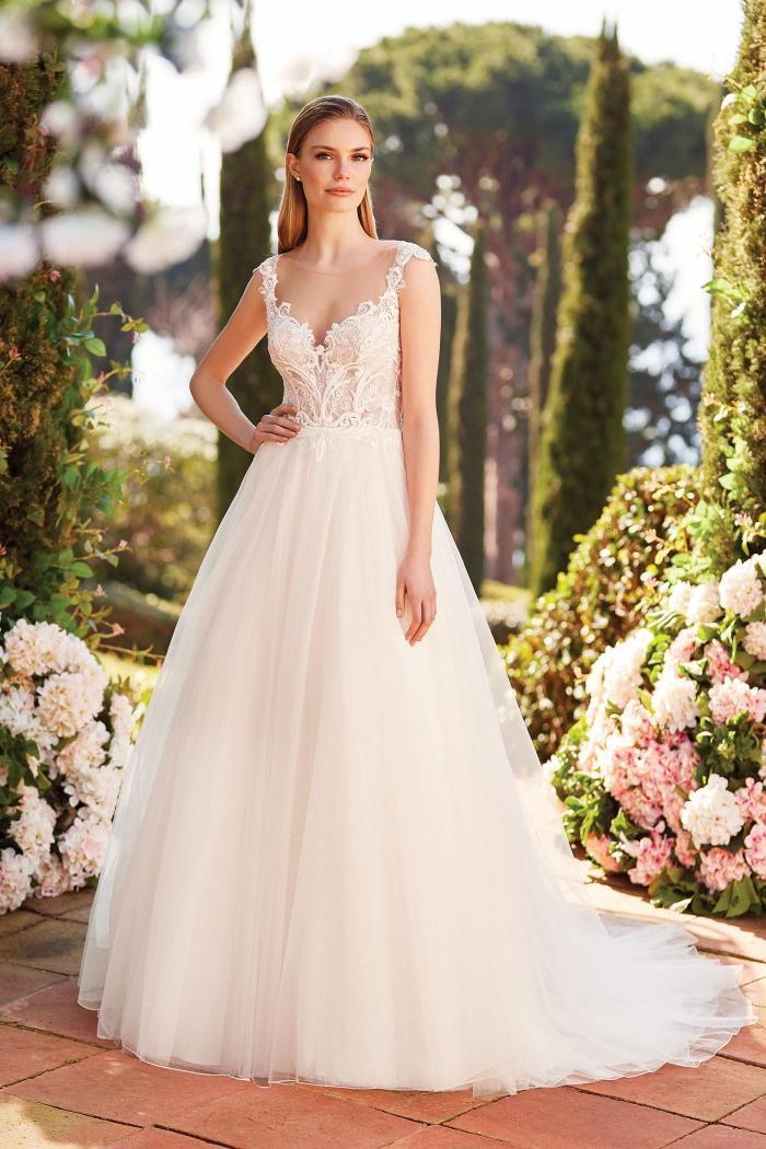 Brautkleid im Prinzess-Stil mit transparentem Spitzentop, Tattoo-Effekt im Rücken und Schleppe von Sincerity, Modell 44168