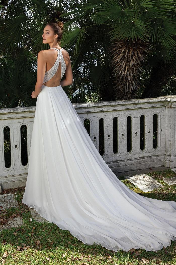 Brautkleid im Prinzessschnitt mit besticktem Top, Illusion-Ausschnitt und Rücken-Cut-out von Justin Alexander, Modell 88105