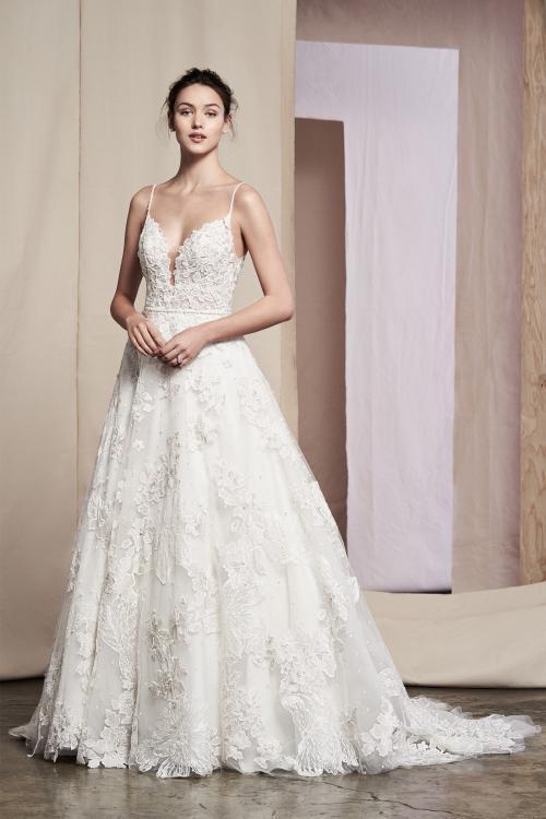 Brautkleid im Prinzess-Stil mit Plunge-Ausschnitt, Spaghettiträgern und tiefem Rücken von Justin Alexander Signature, Modell 99088 Ayana