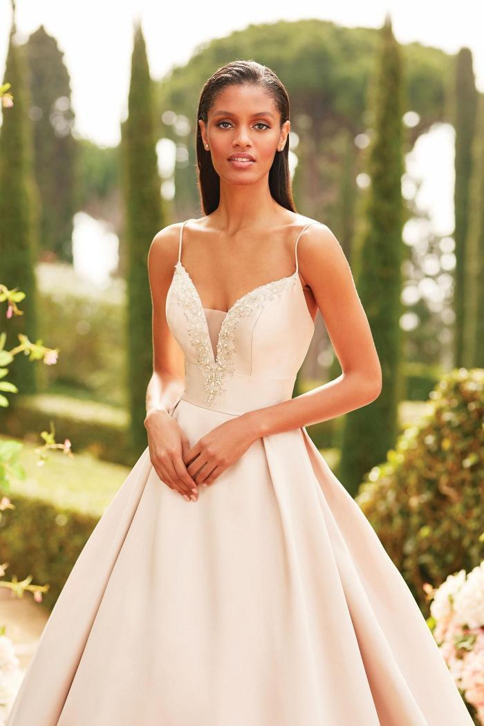 Brautkleid im Prinzess-Stil mit Plunge-Ausschnitt, Strass-Stickerei und Spaghettiträgern von Sincerity, Modell 44186