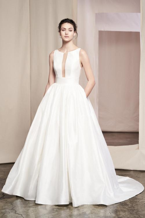 Brautkleid im Prinzess-Stil mit Rundhalsausschnitt, transparenten Einsätzen, Taschen und Schleppe von Justin Alexander Signature, Modell 99091 Azalea