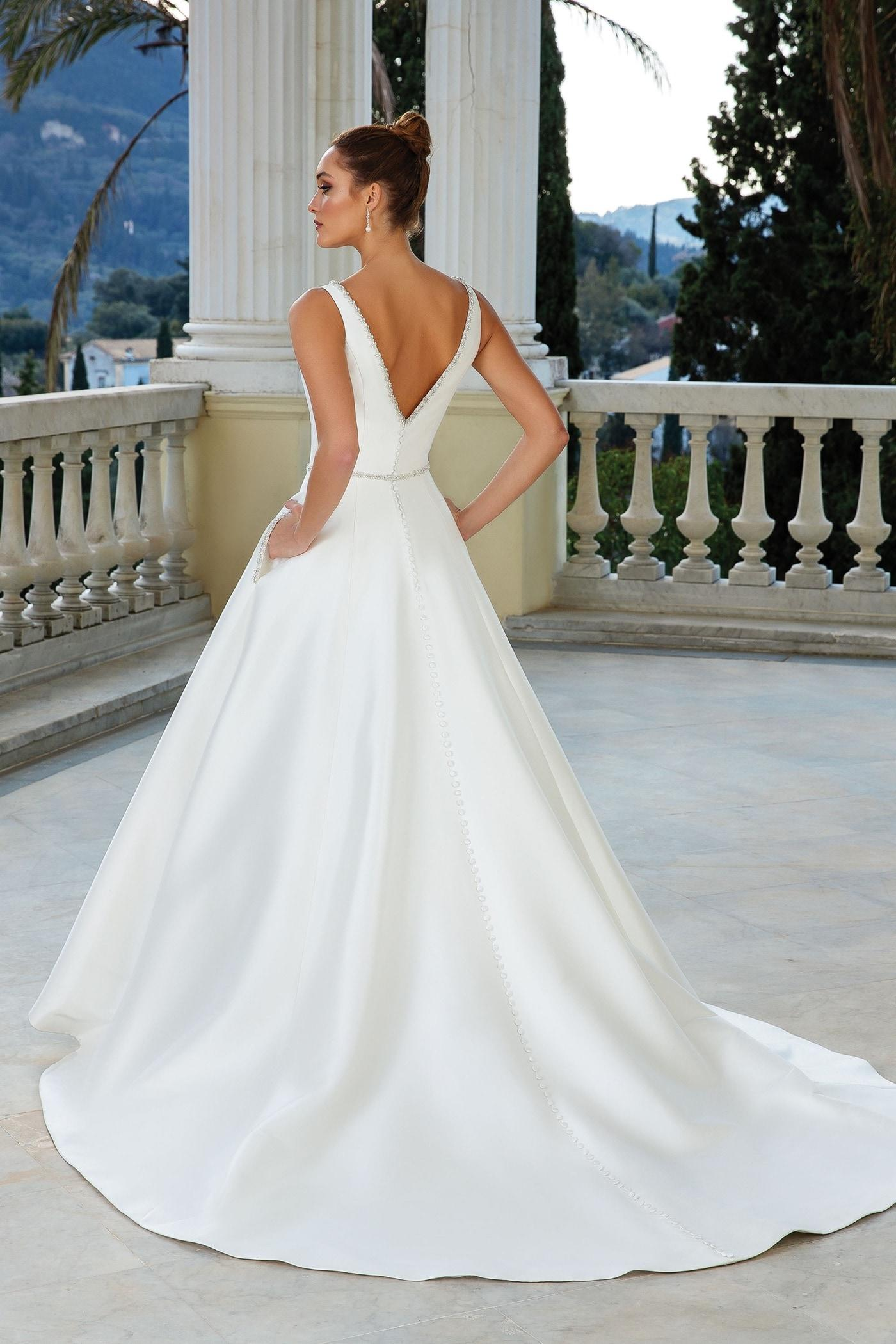 taschen for wedding outfits