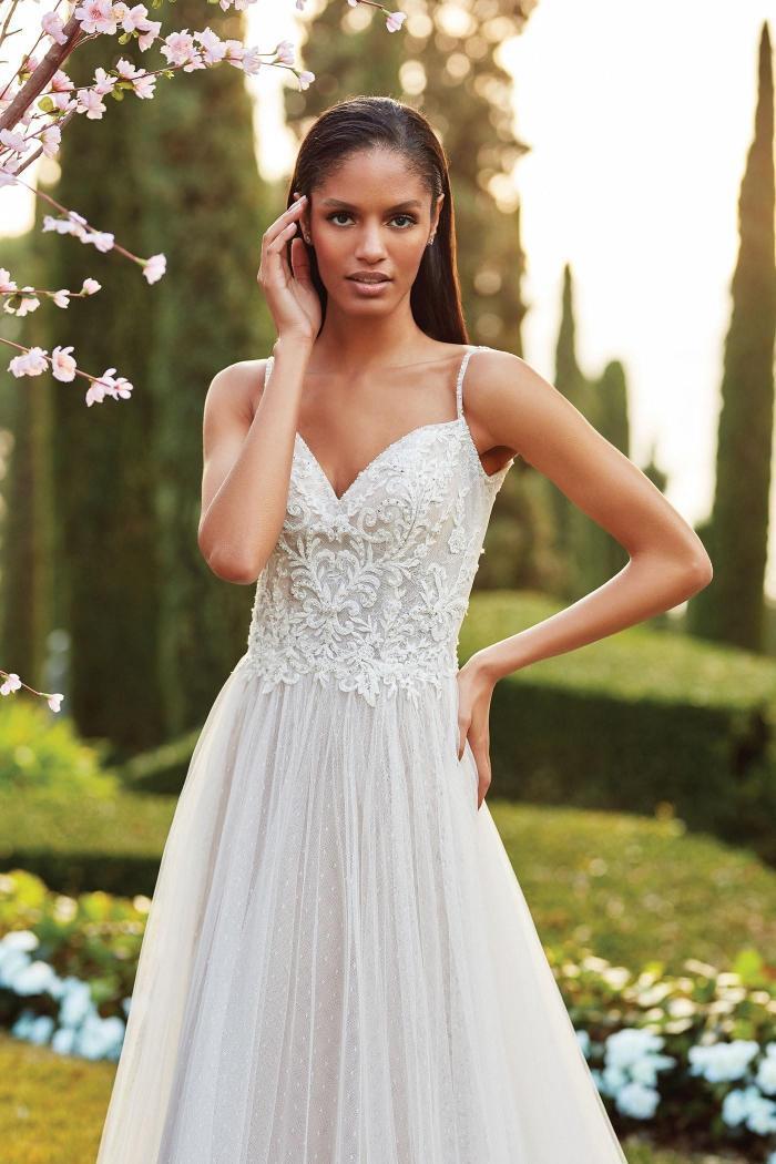 Puderfarbenes Brautkleid im Prinzess-Stil mit 3D-Spitze, Stickereien, Strass und Spaghettiträgern von Sincerity, Modell 44179
