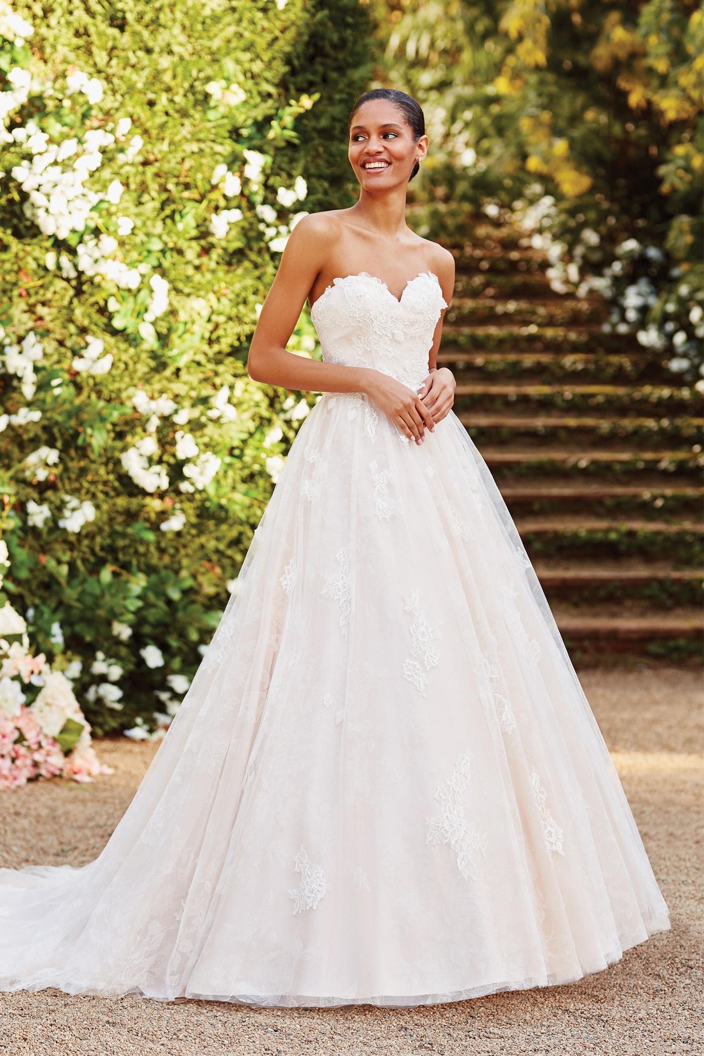 Brautkleid im Prinzess-Stil mit trägerlosem Sweetheart-Ausschnitt