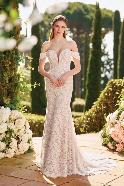 Rosafarbenes Fit-and-Flare-Brautkleid mit 3D-Spitze, Plunge-Ausschnitt, mit oder ohne Offshoulder-Träger, von Sincerity, Modell 44184
