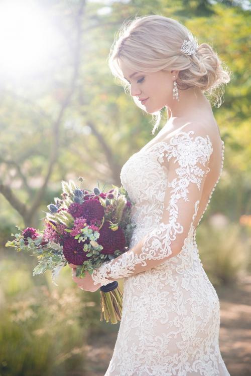 Rosafarbenes Brautkleid mit Spitze und Tattoo-Effekt von Essense of Australia