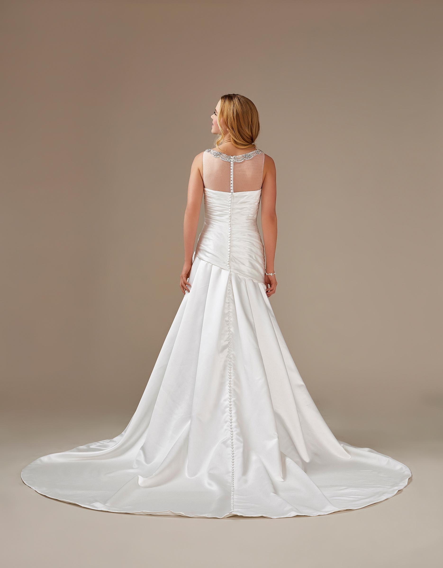 Brautkleid mit Strass und Drapierung aus Satin von Weise, Modell 336052