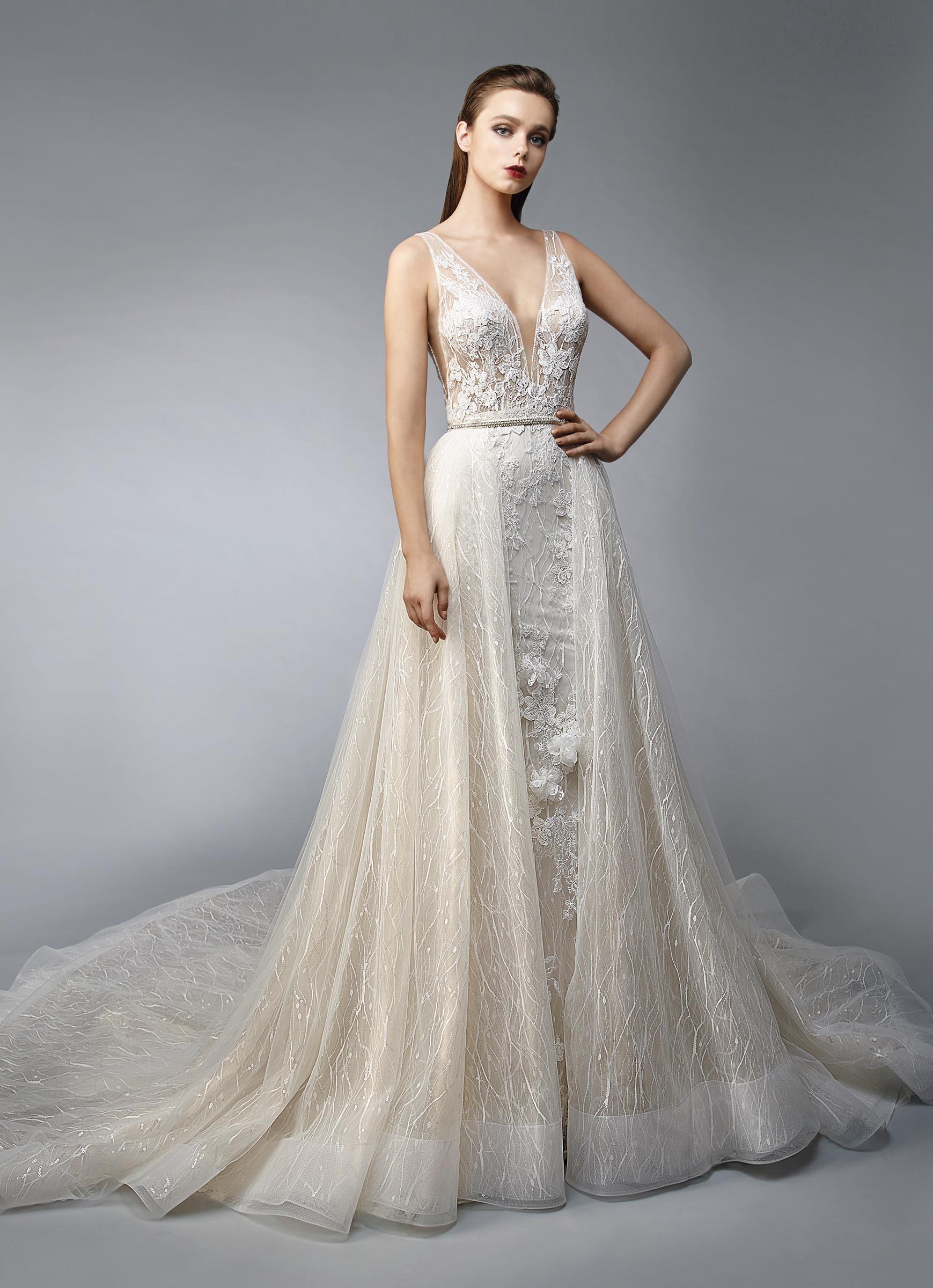Wandelbares Brautkleid im Fit-and-Flare-Schnitt mit Spitze