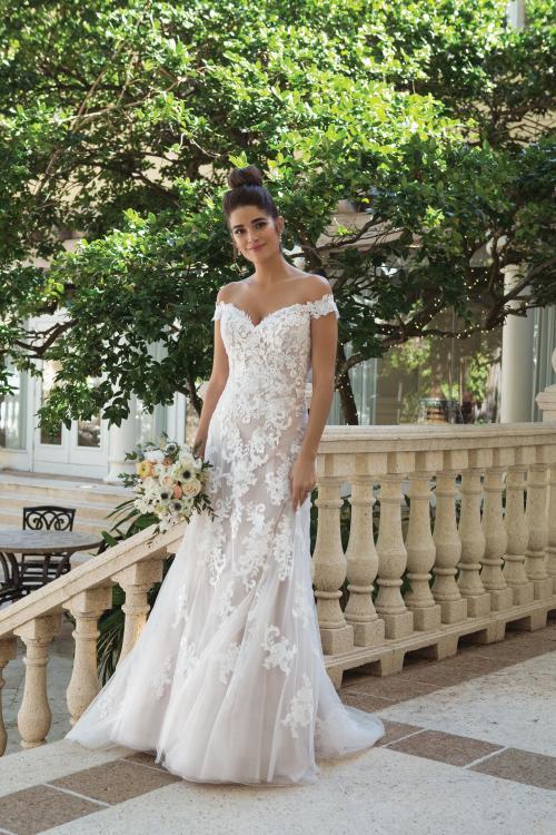schulterfreies Brautkleid mit Spitze in Blush von Sincerity, Modell 44075