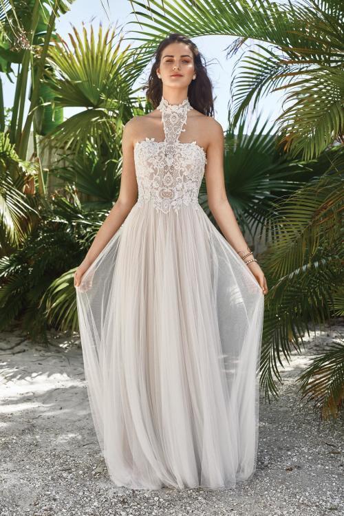 wandelbares Brautkleid mit Spitze in Blush von Lillian West, Modell 66053