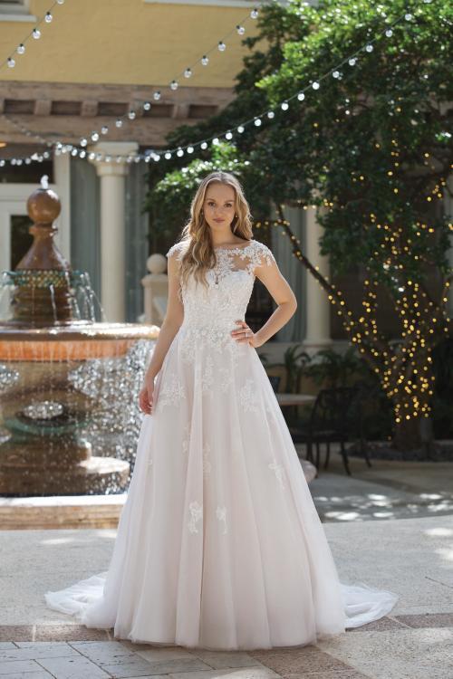 rosa Brautkleid mit Spitze und Ärmeln im Prinzessinnen-Stil von Sincerity, Modell 44101