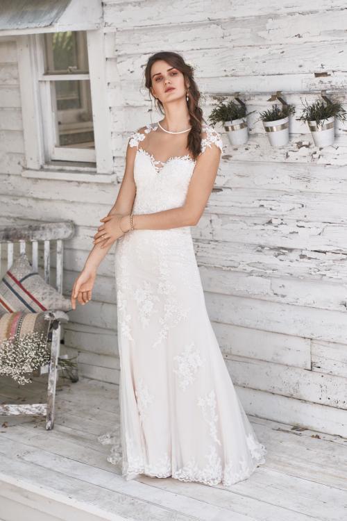 Brautkleid mit Spitze und Tattoo-Effekt von Lillian West, Modell 66048